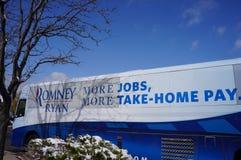 Omnibus y nieve de campaña de Romney Fotografía de archivo