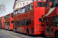 Omnibuses rojos Fotografía de archivo libre de regalías