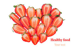 Omposition de ¡ de Ð d'en forme de coeur des tranches de fraise D'isolement Fraise sans joint Fond de nourriture Le jour de Valen Image stock