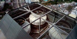 Ompressor op het dak van luchtvoorwaarde royalty-vrije stock fotografie