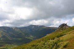 Område av gamla berg Arkivfoto