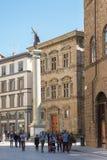 Område av Santa Trinita med kolonnen av rättvisa i Florence Royaltyfria Bilder