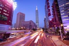 Område för affär för Taiwan ` s med Taipei 101 Fotografering för Bildbyråer