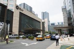 Område för central affär för Asien Peking, Kina, modern arkitektur, många-storied byggnader för stad Royaltyfri Fotografi