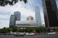 Område för central affär för Asien Peking, Kina, modern arkitektur, många-storied byggnader för stad Royaltyfri Bild