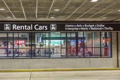 Område för uthyrnings- bil för flygplats Arkivbilder