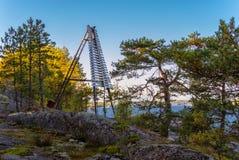 Områdemarkör på kusten av Ladoga sjön Royaltyfri Foto