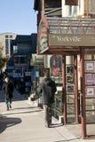 områdesshoppingtoronto yorkville Royaltyfri Foto