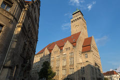Områdestownhallberlin neukoeln i Tyskland Royaltyfria Foton