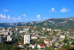 Området av Yalta lokaliseras på bergssidan Royaltyfria Bilder