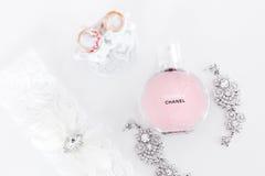 Omsk, Rusia - 3 de junio de 2014: perfume Chanel de la mañana de la novia Imagen de archivo libre de regalías