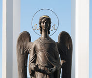 Omsk, Rusland - September 21, 2016: beeldhouwwerk van Engel Stock Fotografie