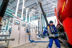 Omsk, Russia - 6 dicembre 2011: Gazprom, stazione di servizio Immagine Stock