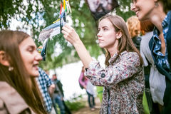Omsk, Russie - 21 mai 2014 : Photographie de festival sur la rue Images libres de droits