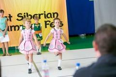 Omsk Ryssland - Augusti 22, 2015: Irländsk dans för internationell konkurrens Royaltyfria Bilder