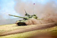 Omsk Ryssland - Juli 07, 2011: internationell militär utställning Arkivbild