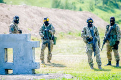 Omsk Ryssland - Juli 1, 2015: militär utbildning Royaltyfria Foton