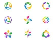 Omsorg räcker symbolen för vektorn för symbolet för enhet för mångfald för logoteamworkfolk fastställd design Arkivfoto