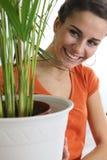omsorgsväxter som tar kvinnan Royaltyfri Fotografi