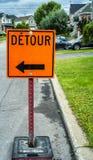Omvägvägmärke royaltyfria foton