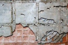 Omvänd sida av en gammal keramisk tegelplatta med bindemedel abstrakt bakgrund Royaltyfria Foton