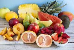 Omväxlande ny frukt arkivbilder