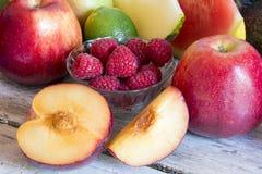 Omväxlande ny frukt arkivbild