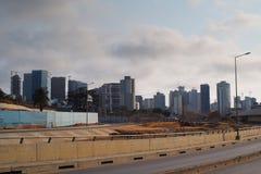 Omväxlande sikt av Luanda horisont arkivbilder