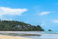 Onafgewerkt hotel bij Niyang-strand stock afbeeldingen