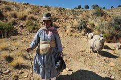 Onbekende vrouw op het eiland van de Maan Royalty-vrije Stock Foto's