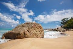 Onbeschadigd tropisch strand in Sri Lanka Stock Fotografie