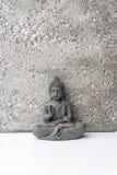 Oncentration do ¡ de Ð da mente Conceito da ioga Pose de Lotus Fundo da meditação do zen Relaxe o conceito mínimo foto de stock royalty free