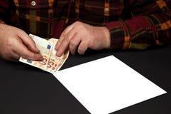 Oncept de la cuenta de pago de dinero de la deuda que se pagará imagenes de archivo