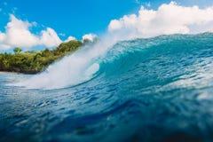 Onda azul do tambor no oceano Onda e céu em Bali fotografia de stock royalty free