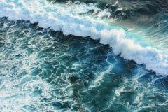 Onda azul en el mar Foto de archivo libre de regalías