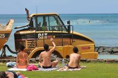 Onda cómoda del proyecto del mantenimiento de la playa de Waikiki Fotos de archivo libres de regalías