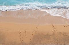 Onda che colpisce il litorale Fotografia Stock Libera da Diritti