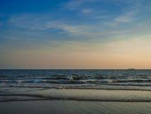 Onda de la playa del mar imagen de archivo libre de regalías