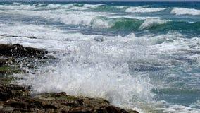 Onda de la resaca del mar en verano fotos de archivo libres de regalías