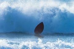 Onda deixando de funcionar da placa do surfista Foto de Stock