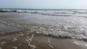 Onda del mar en la playa almacen de metraje de vídeo