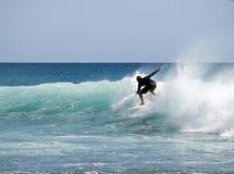 Onda del montar a caballo de la persona que practica surf Fotografía de archivo libre de regalías