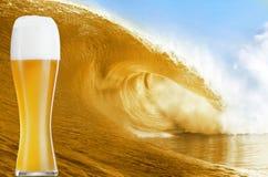 Onda della birra Fotografie Stock Libere da Diritti
