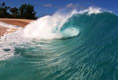 Onda della spiaggia dell'oceano sul puntello in Hawai Fotografia Stock