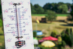 Onda di calore - le temperature scalano molto su Immagini Stock