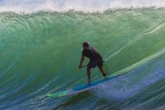 Onda di divertimento di guida del SUP del surfista Immagine Stock Libera da Diritti