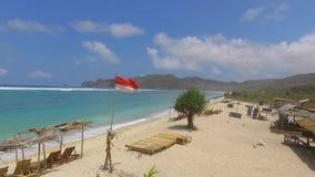 Onda di oceano blu sulla spiaggia sabbiosa video d archivio