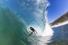 Onda do interior da equitação do surfista Fotografia de Stock