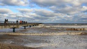 Onda do mar da visão do turista imagens de stock