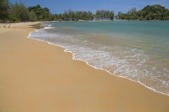 Onda do mar na praia da areia Foto de Stock Royalty Free